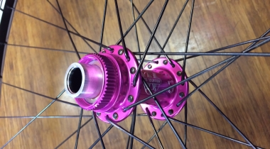 Stans ZTR Crest Rims on Pink White Industries CLD Hubs – Pretty!